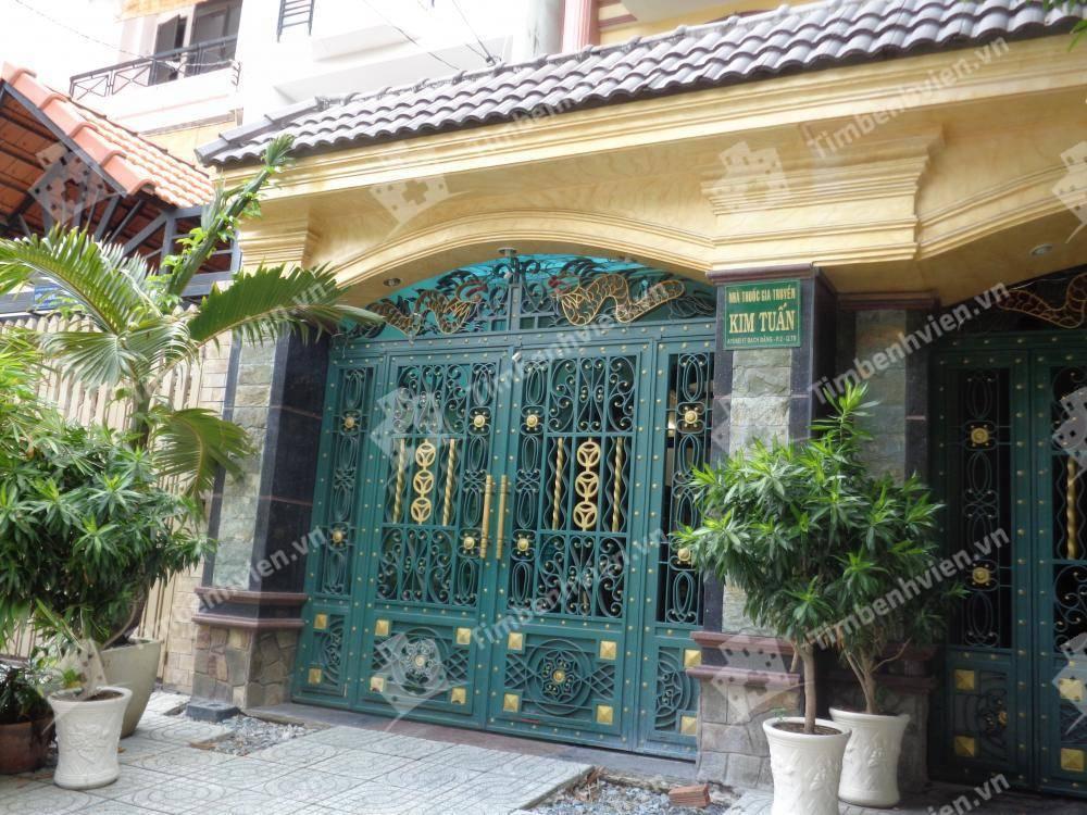 Phòng Khám Đông Y Gia Truyền Kim Tuấn - Cổng chính