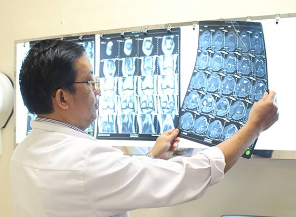 Tuổi càng nhiều càng dễ bị bệnh xương khớp