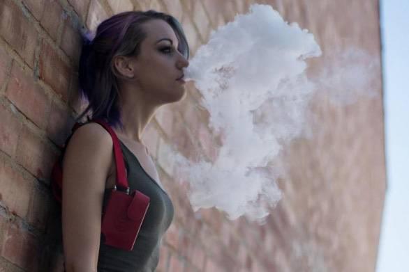 WHO khuyến cáo nên cấm lưu hành thuốc lá điện tử...