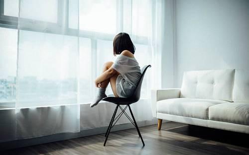 Dấu hiệu cho thấy bạn đang cô đơn