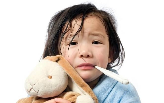 Xử trí thế nào khi trẻ sốt xuất huyết