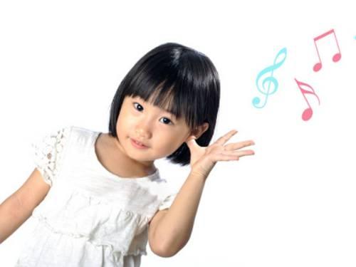 Dấu hiệu bé bị khiếm thính
