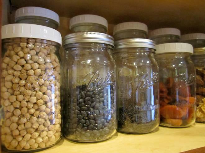 Cách bảo quản thực phẩm khô ngày Tết