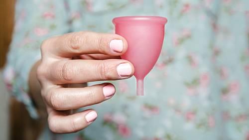 Nhầm tưởng chiếc cốc nguyệt san giúp tăng khả năng thụ thai