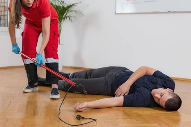 Cách sơ cứu khi bị điện giật
